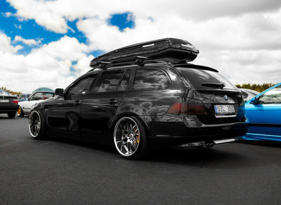 Бокс на крыше автомобиля