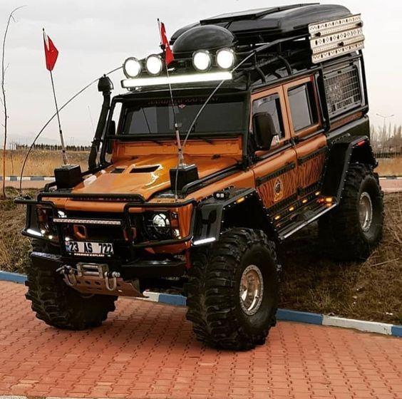 Экспедиционный багажник на автомобиле Ленд Ровер