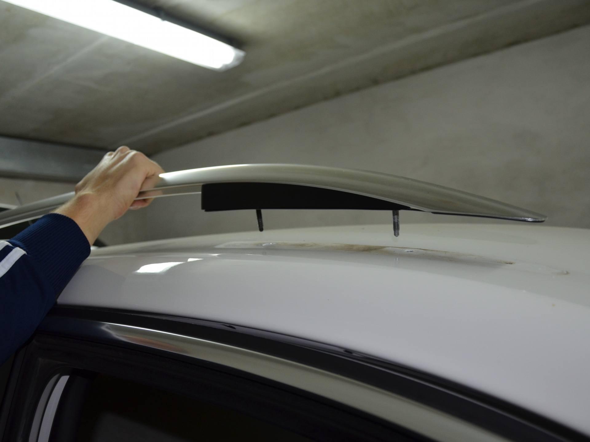 Установка рейлингов на крышу автомобиля