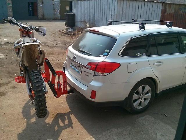 Багажник на фаркоп для перевозки мотоцикла