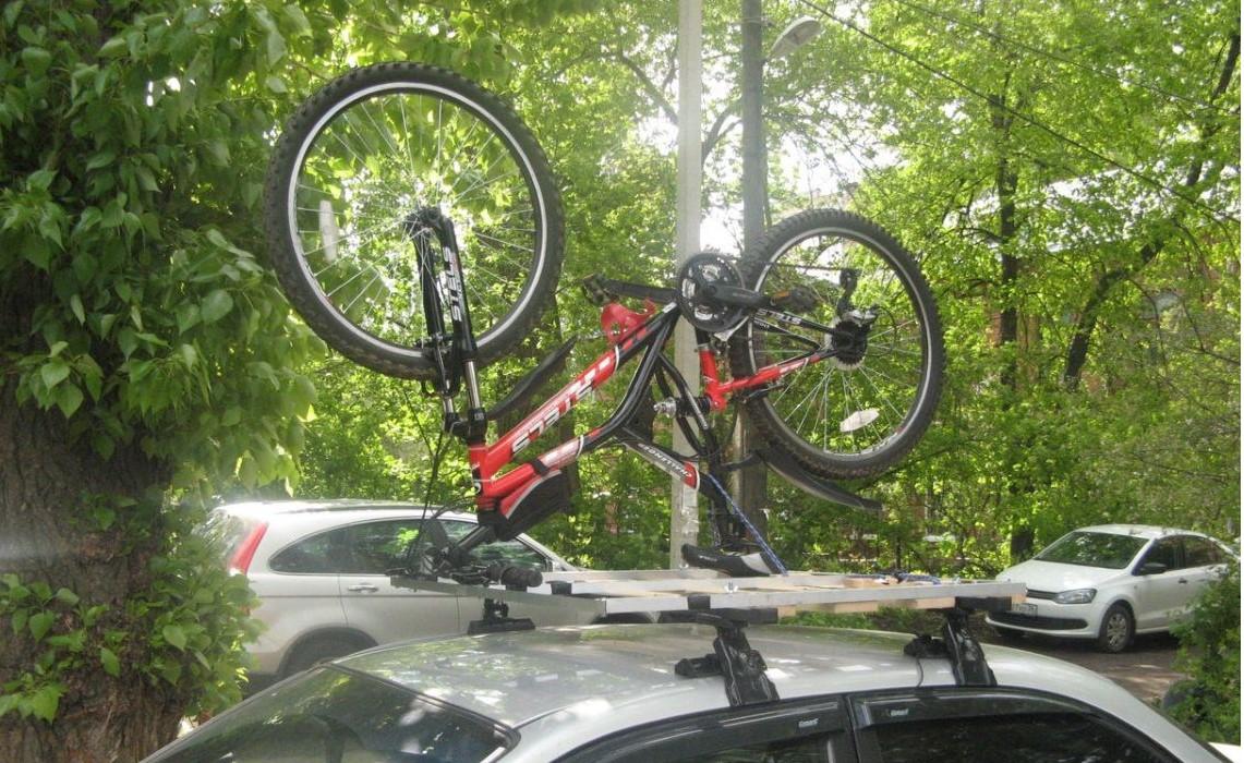 Перевернутый способ крепления велосипеда