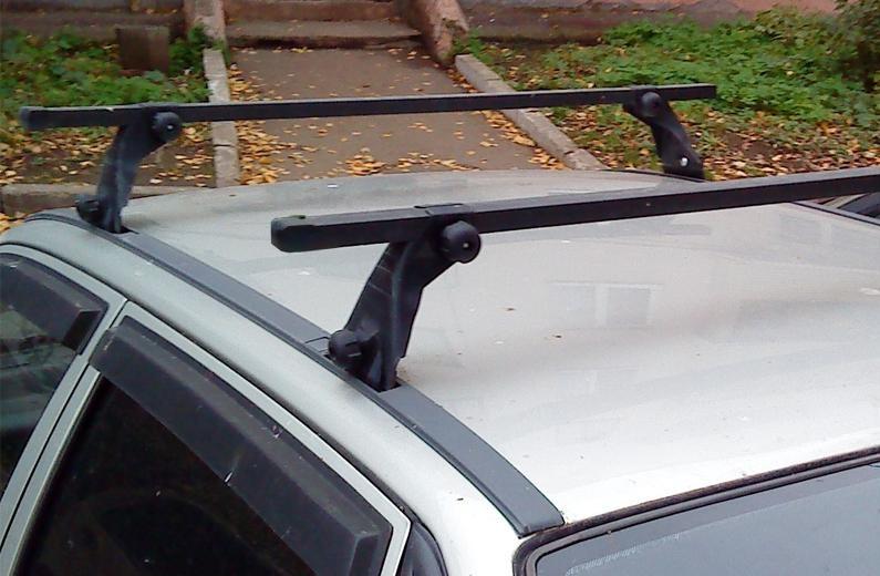Багажник с креплением на водосток