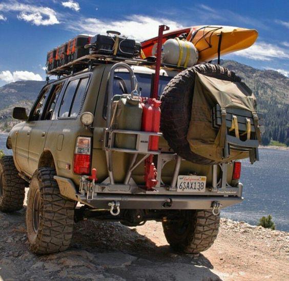 Экспедиционный багажник на крыше внедорожника